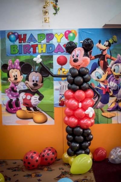 Фигура Мики Маус от балони за детски рожден ден