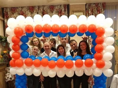 Рамка от балони за декорация на ресторант