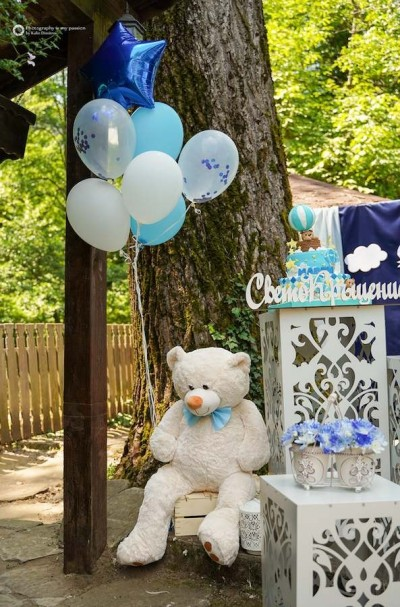Мече и балони с хелий за детски празник