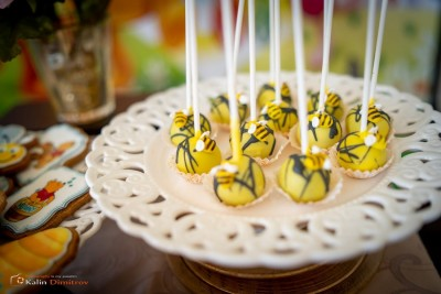 Близалки с пчелички за детско парти Мечо Пух