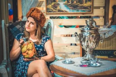 Фотокът за декорация за руска тематична вечвер в ресторант ВСК Кентавър
