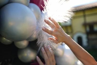 Арка от хром балони и пера