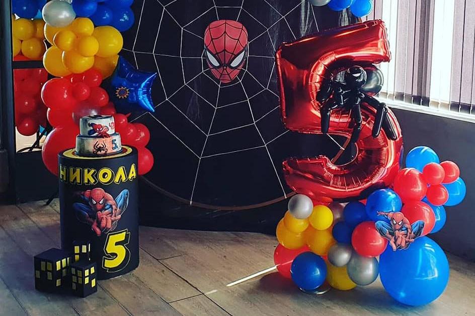 Балонена цифра с паяк за декорация на рожден ден Спайдърмен